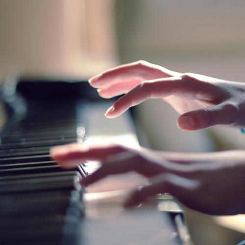 tu hoc piano nhanh