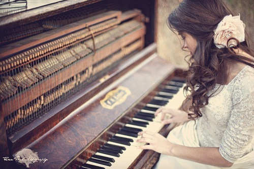 mua dan piano dien hay piano co