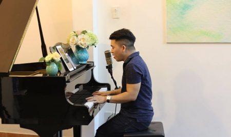 Tự đàn piano cho chính giọng hát của mình là đam mê của tôi!